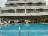 hotel002.jpg